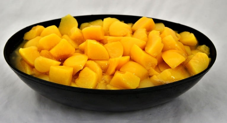 #10 Chunky Peaches in Pear Juice